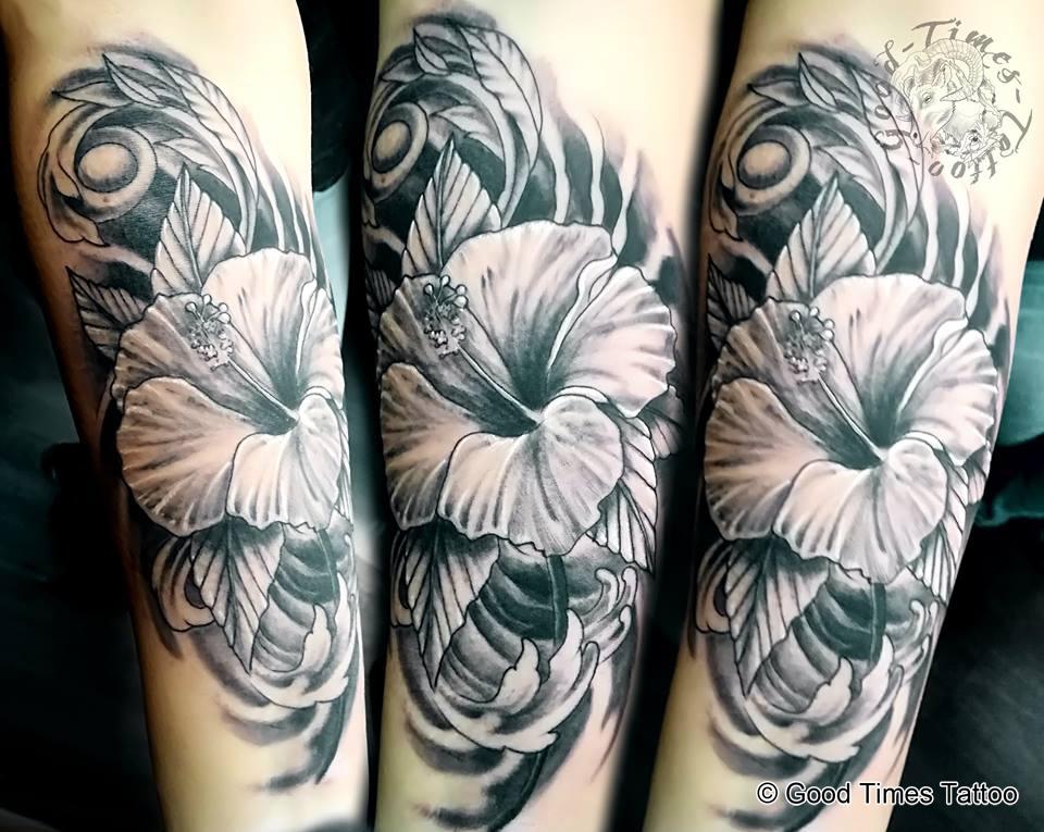 Flower Blumen Tattoo von Good Times Tattoo Philippsthal